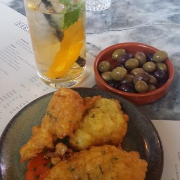 Pataniscas de Bacalhau (Salt cod fritters)