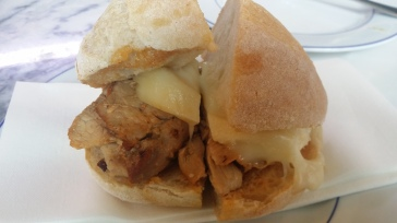 Sandes de pernil (Roasted pork sandwich with Serra cheese)